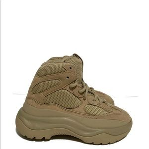 Women's Yeezy Desert Boot Taupe Mesh Nubuck Sz 6